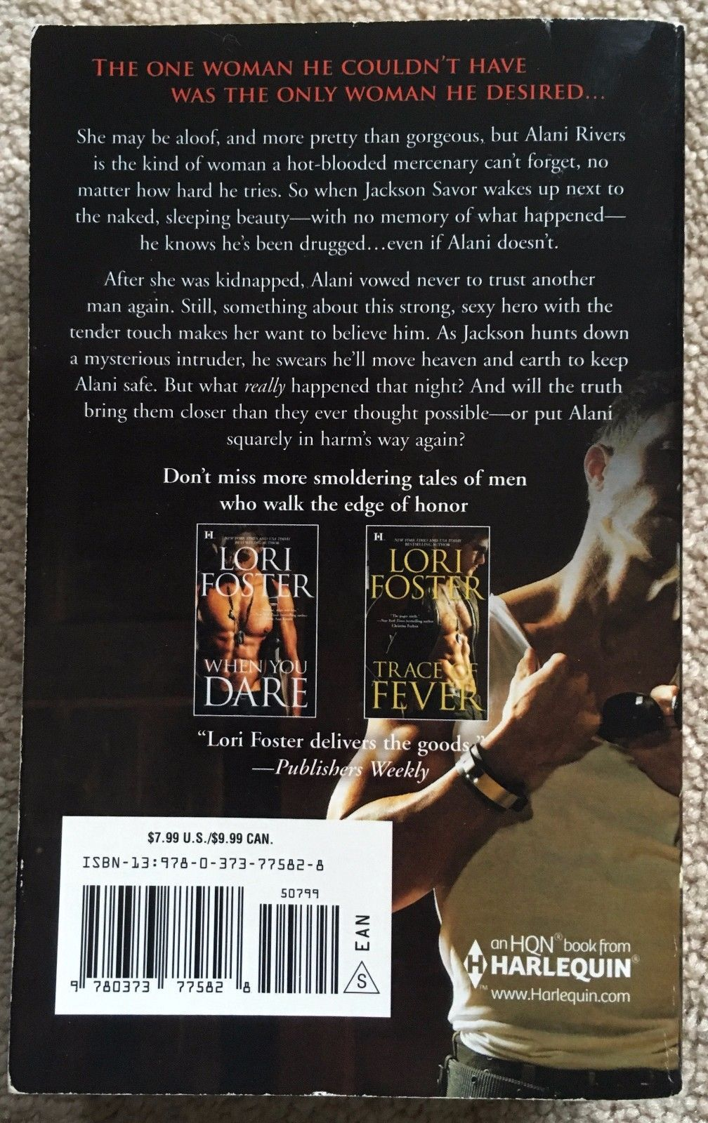 Lot 2 Lori Foster PB romance: Trace of Fever & Savor the Danger