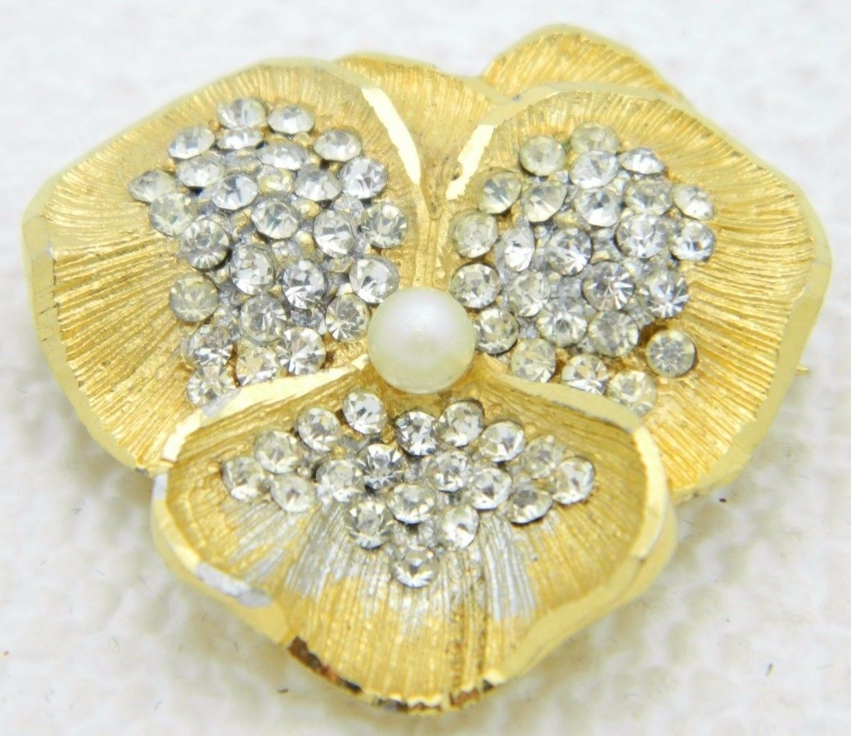 Primary image for VTG BSK B.S.K. Signed Gold Tone Clear Rhinestone Faux Pearl Pansy Flower Pin