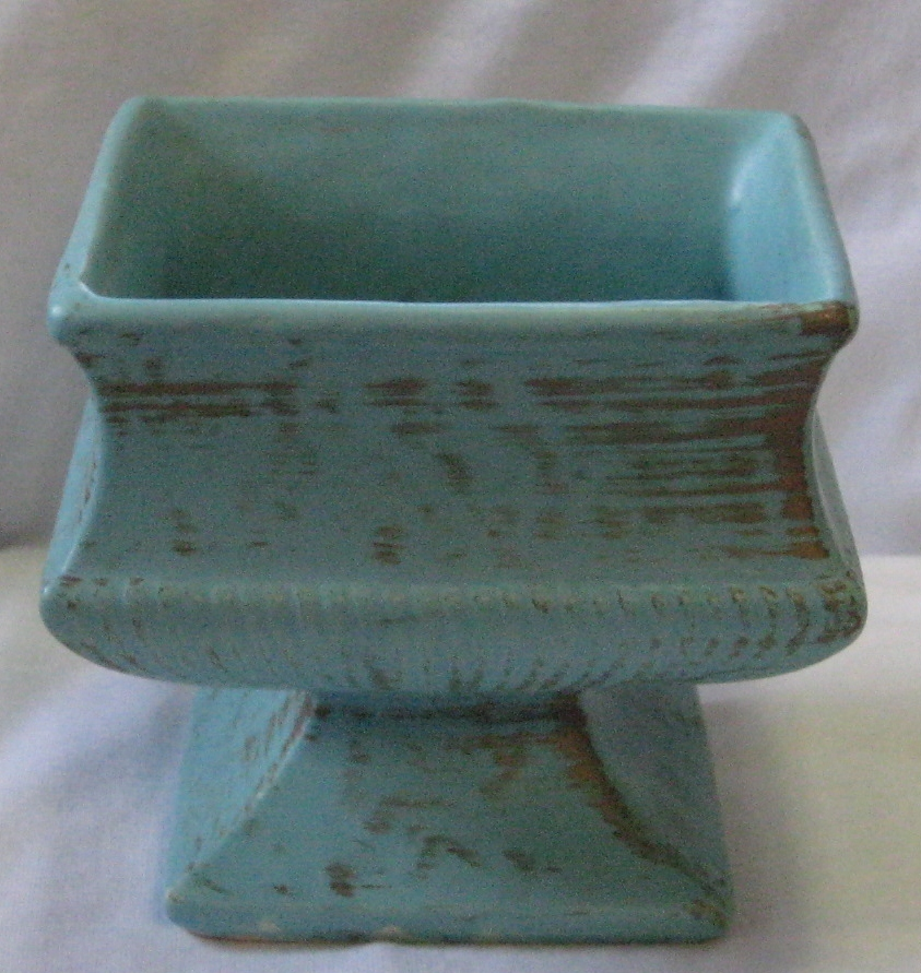 McCoy Classic Line Turquoise/Gold  Matte Color  Footed Planter 1962