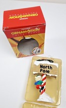 Noma Ornamotion Elves On North Pole Sign Rotating Christmas Ornement 1989 - $18.62