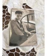 Elvis Presley Magnet Music Souvenir King Of Rock And Roll Sitting In Car - $5.52