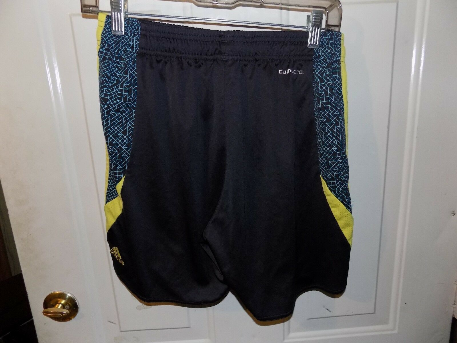 adidas shorts no pockets