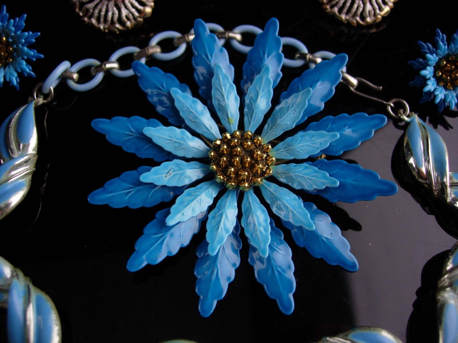 1950s lot - Coro Necklace - BIG flower brooch & earrings - enamel HUGE brooch se
