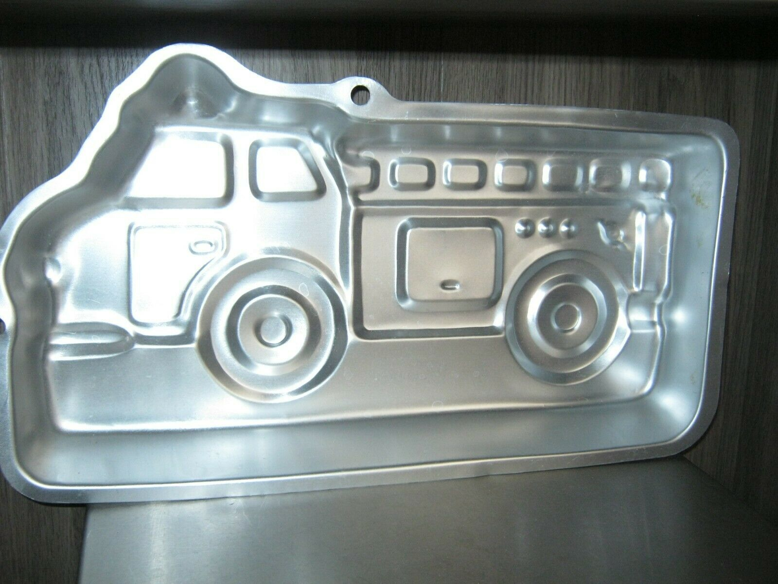 Primary image for Wilton Fire Truck Cake Pan (2105-2061, 2002)