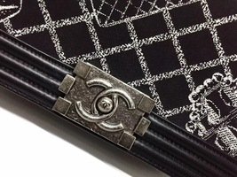 AUTHENTIC CHANEL BLACK Limited Edition RUNWAY EMBROIDERY Medium Boy Flap Bag image 4