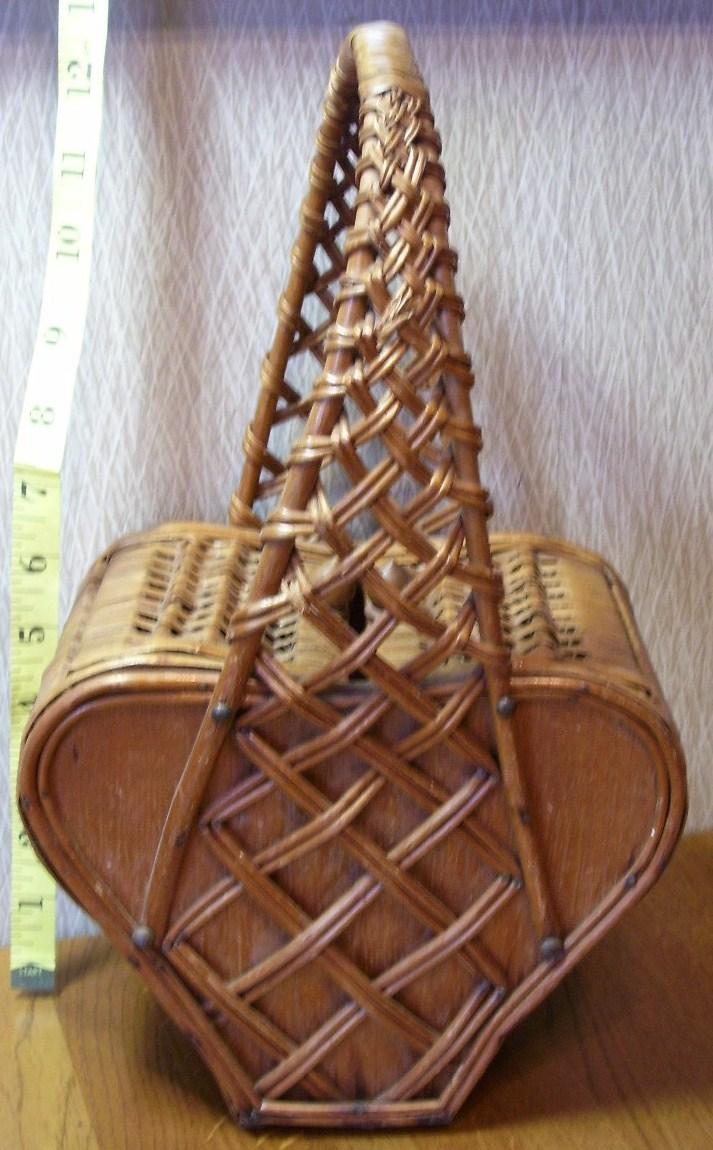 Heart shaped basket box  1