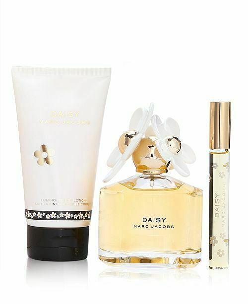 Marc Jacobs Daisy EDT Spray 3.4 Oz + Body lotion 5.1 Oz + Mini EDT Spray Set
