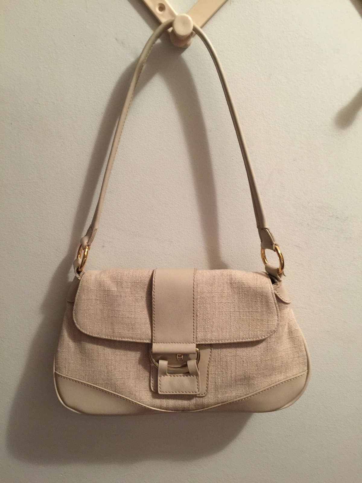 "Primary image for Oatmeal Beige Cream Linen & Rayon 12X7X4"" Hand Bag Etienne Aigner Purse"