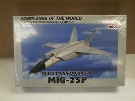 ACADEMY MINICRAFT MODEL KIT- 4428 MIKOYAN FOXBAT A MIG-25P- 1/144- NEW- W52 - $11.65