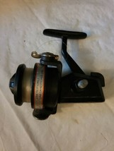 VINTAGE SHAKESPEARE OMNI 030 SPINNING FISHING REEL FOR PARTS OR REPAIR image 2