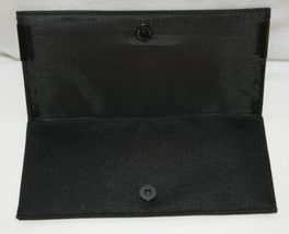 MAC(r) Enchanted Eve Brush Kit 5 Brushes Plus Carry Bag image 6