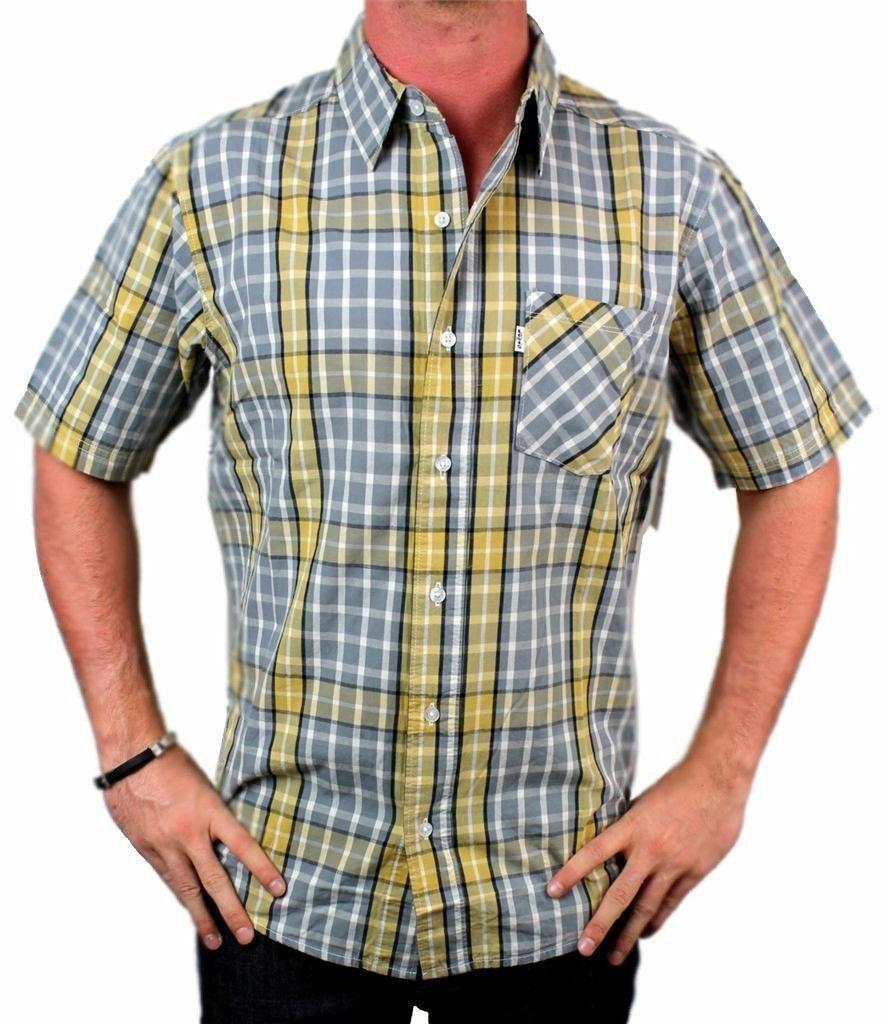 Levi's Men's Cotton Classic Short Sleeve Button Up Dress Shirt 3LMS039CC