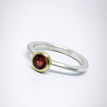 Dainty 14K carats Gold and Sterling silver ring with a shiny Songea Sapp... - $152.00