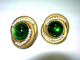 LARGE VINTAGE MIRIAM HASKELL SIGNED GREEN ART GLASS FAKE PEARL CLIP ON E... - $125.00
