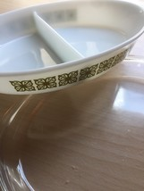 Pyrex 1.5qt milk glass divided dish with square flower design and glass cover