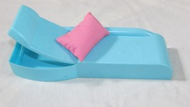 Barbie blue lounge chaise couch reclining sofa Mattel 2007 pink pillow - $12.86