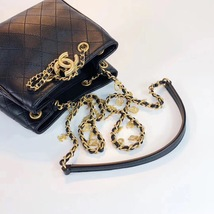 NEW AUTHENTIC CHANEL 2019 BLACK LEATHER DRAWSTRING BUCKET BAG GOLD HW RECEIPT  image 4