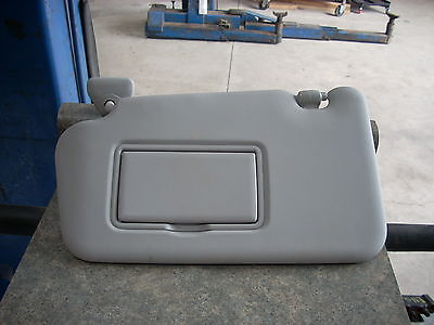 2013 NISSAN JUKE LEFT DRIVER SIDE SUN VISOR GRAY WITH MIRROR