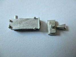 Details West # VF-107 Dynamic Brake Vent & Elect Cabinet Filter HO-Scale image 1