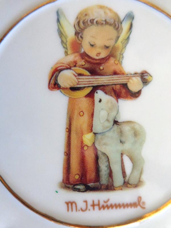 M.J. Hummel Porcelain Ornament (#2678)
