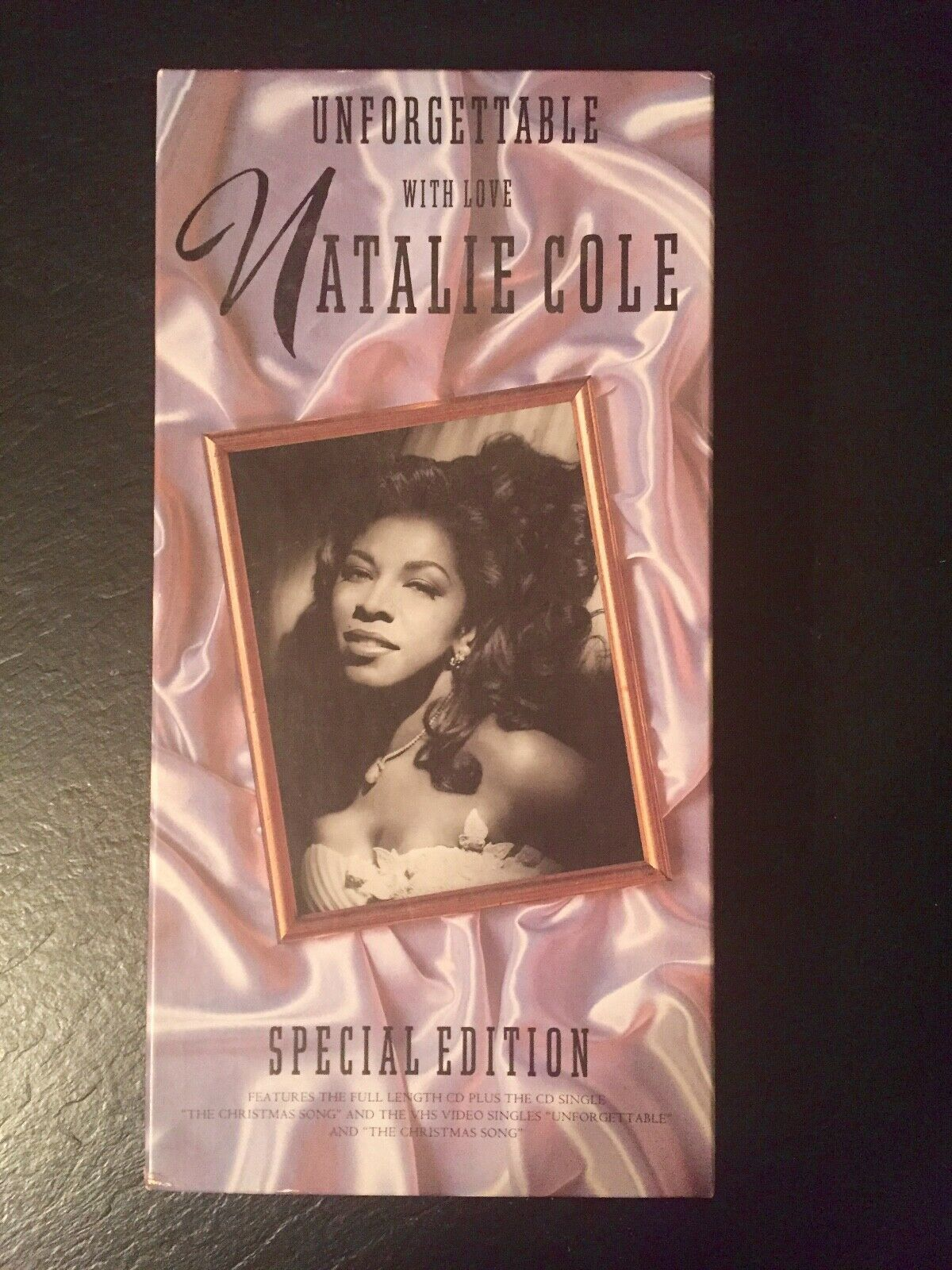 Primary image for UNFORGETTABLE With Love NATALIE COLE Special Edition Box