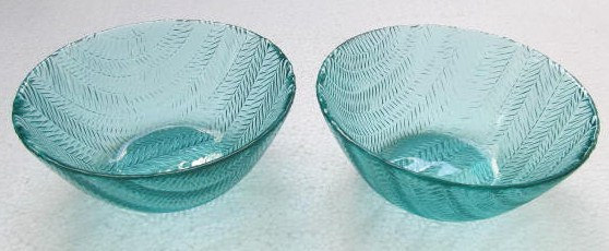 Arcoroc (2) Large Turquoise Blue Color Glass Serving Bowls In The Wheat Design -