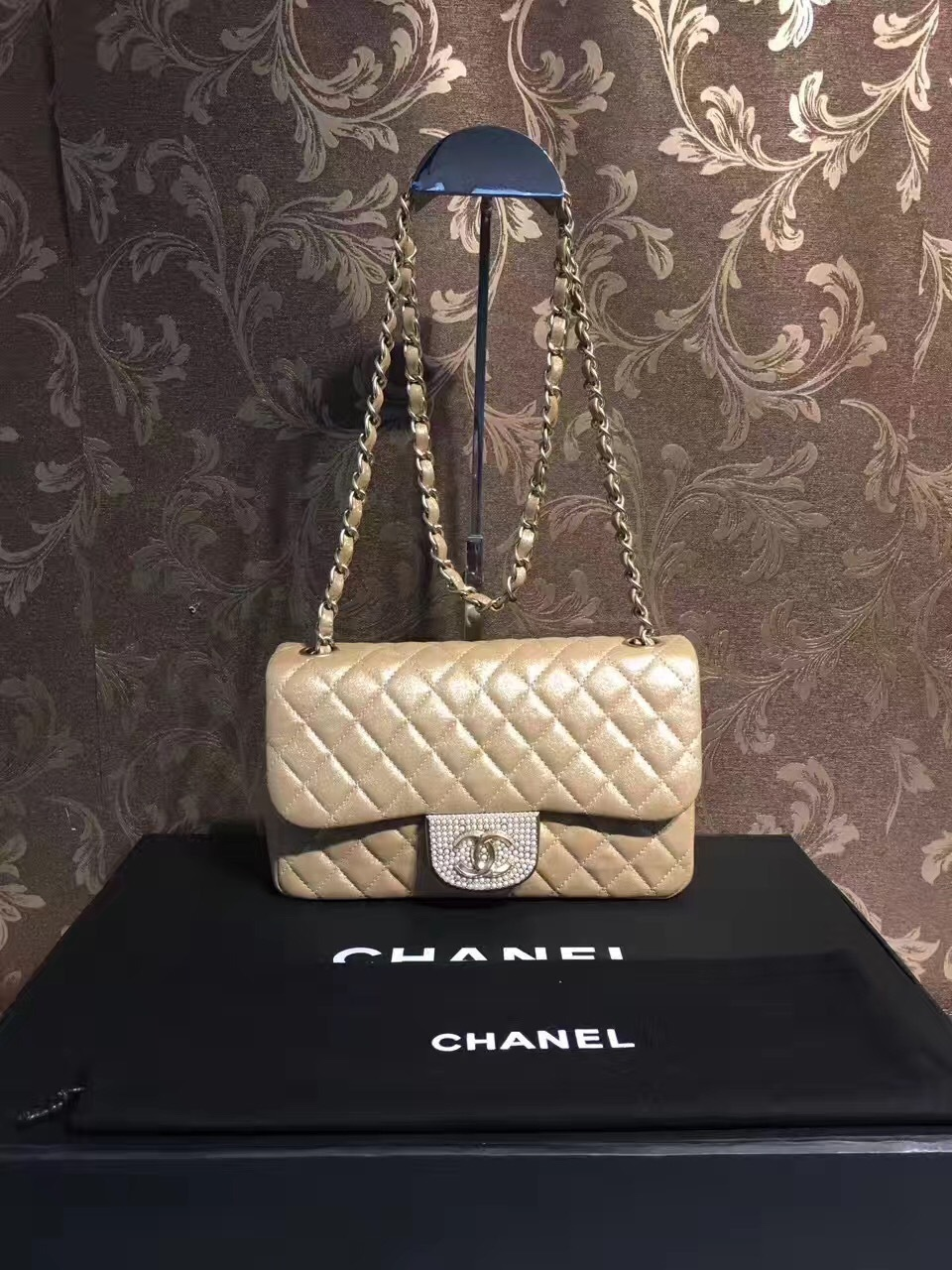 59e66279a8307f AUTHENTIC CHANEL LIMITED EDITION PEARL CLASSIC QUILTED FLAP BAG ...