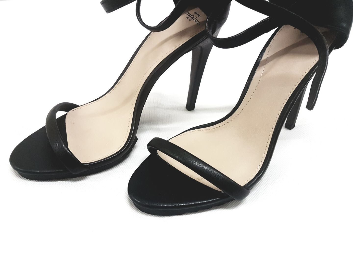 zara  Ladies Black Suede Strappy High Heel Strappy Sandal Size 39
