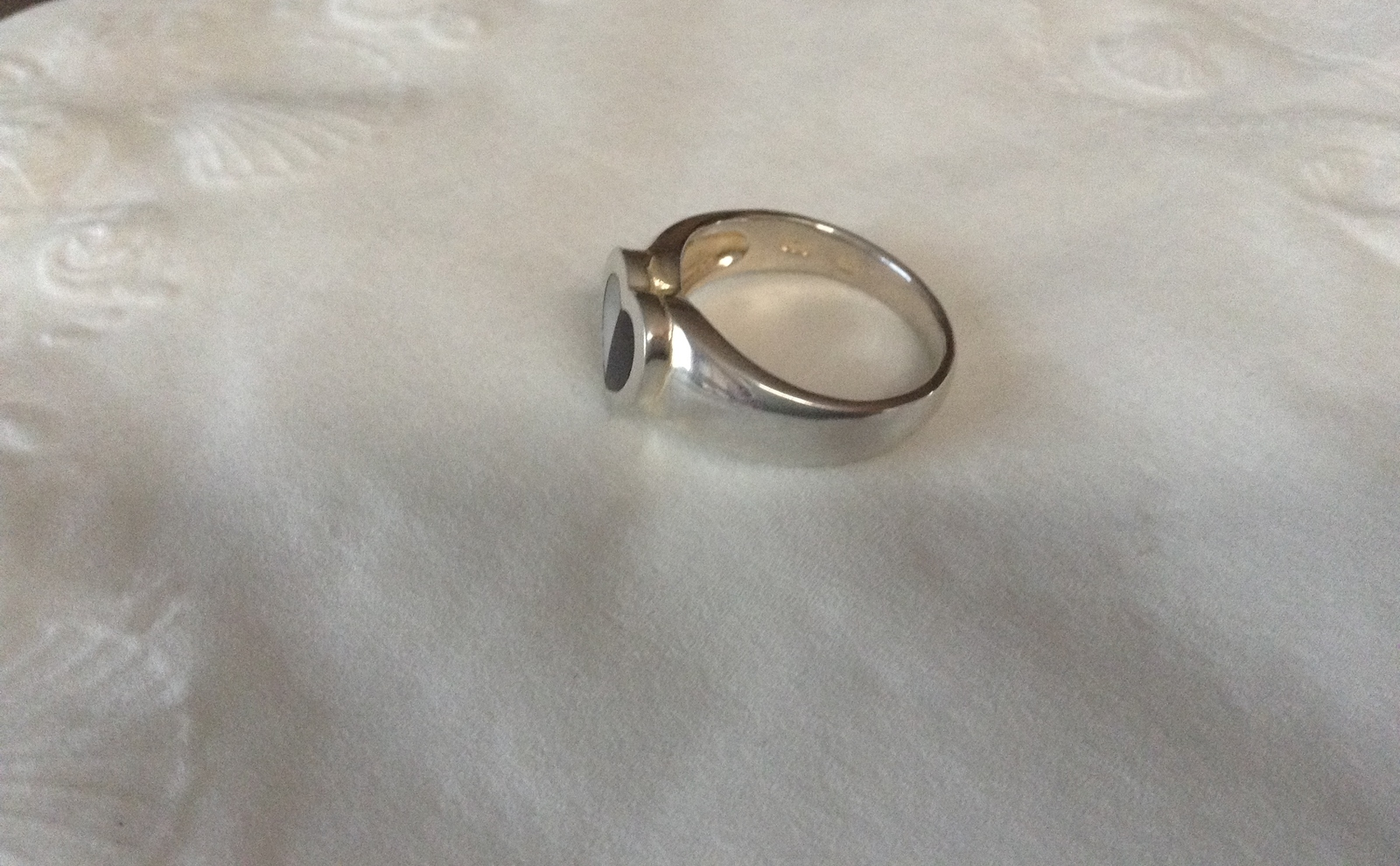 Sz 8 New Genuine Mother of Pearl  Black Onyx Inlay SS Heart Design Ring