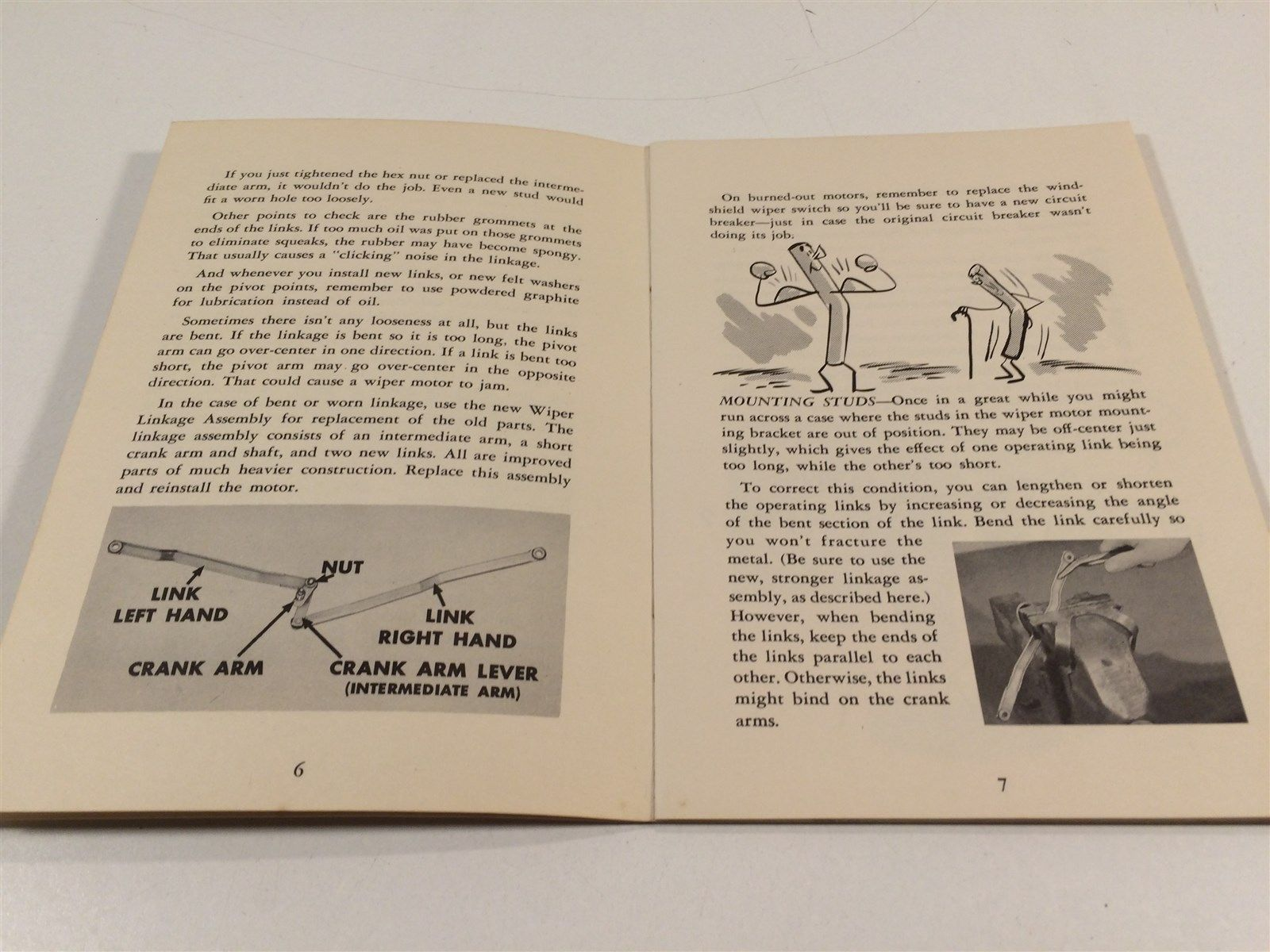 1952 Chrysler Corporation Service Reference Book V5 No4  Servicing Tips
