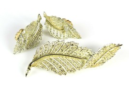 Costume Fashion SARAH COVENTRY Gold Tone Leaf Feather Brooch Pin & Earri... - $17.11