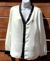 Ellen Tracy Women's Split Neck Long Sleeve Dress Blouse Shirt Size M NEW - $18.80
