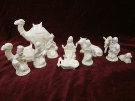 Vintage MCM NATIVITY SCENE Mother of PEARL GLAZE 12 Pieces Unmarked - $44.54