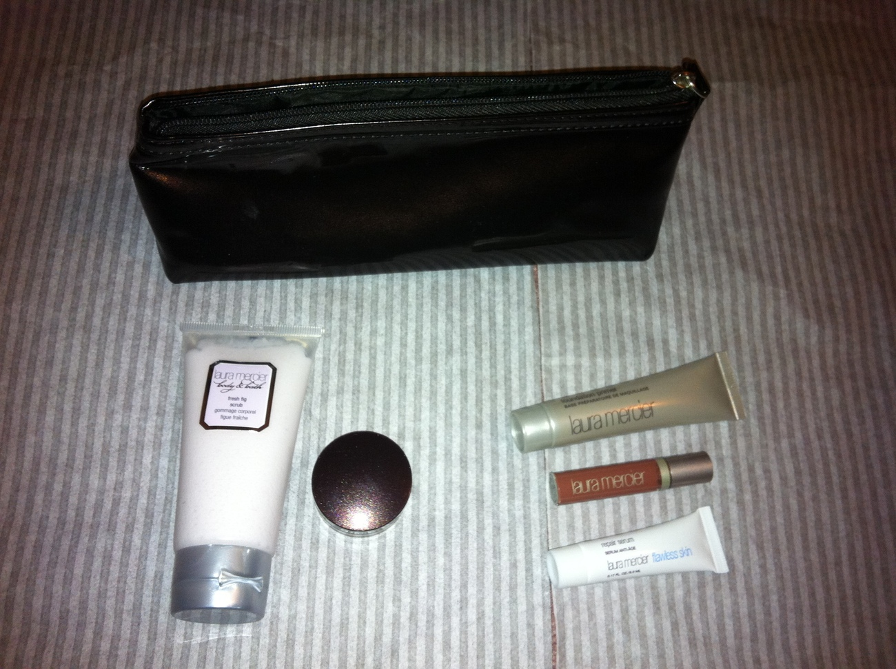 LAURA MERCIER Cosmetics Mineral Eye Face Lip Set Other