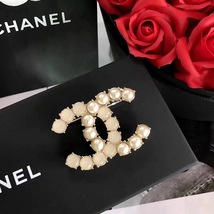 Authentic CHANEL Strass Pearl Large CC Brooch Pin Gold Ivory Pearly Crystal 2017