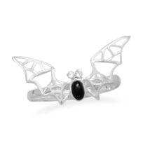Bat Ring With Black Onyx and Crystal Accents - €27,47 EUR