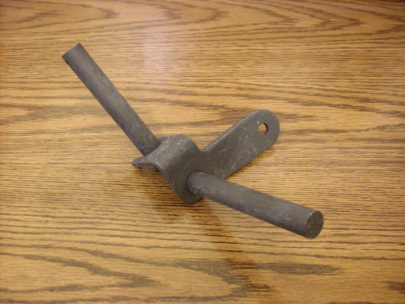 MTD, Montgomery ward right wheel axle kingpin king pin 17584, 97584