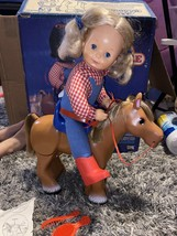 1984 CBS Toys Ideal Kit N Kaboodle Cowgirl & Pull Back Walking Horse Complete - £14.53 GBP
