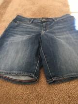 Lee Modern Series Curvy Fit Women's Blue Denim Jean Shorts Sz 14 Medium - $20.79