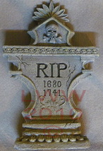 Fancy Skull and bone RIP Resin Tombstone New - $16.99