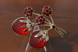 Sarah Coventry Red & Gold Tone Strawberries Brooch Pin - $35.60