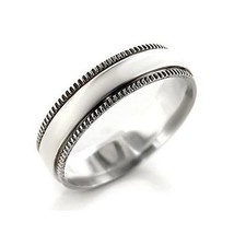 5.5mm Decorative Edge Simple Sterling Silver Band Ring - SIZE 7 (LAST ONE) image 1