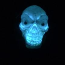 Gothic Shrunken HANGING BLACK HOODED SKULL Flashing Lights Halloween Dec... - $4.92