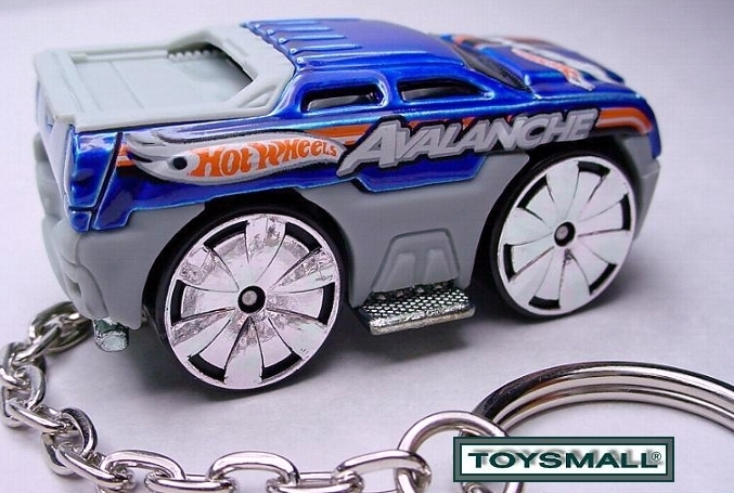 KEY CHAIN RING BLUE CHEVY AVALANCHE 4x4 NEW KEYRING FOB