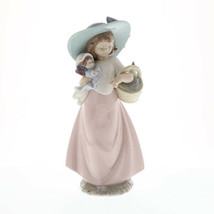 Nao by Lladro 02001902 It's a Picnic ! Porcelain Figurine Glased New  - $145.00