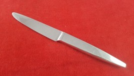 Dinner Knife in Thema by Wallace Stainless Korea Hollow Handle New Frenc... - $7.91