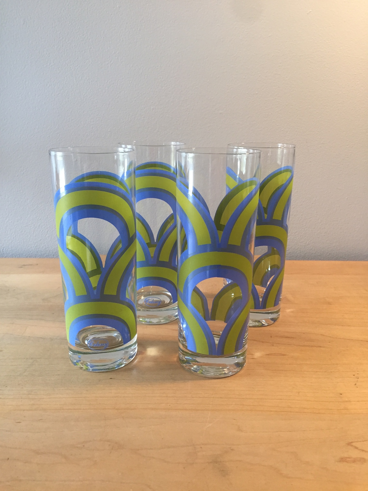 Set of 4 Mint Condition Vintage 60s Colony blue/green rainbow collins glasses