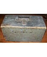 ANTIQUE PRIMITIVE GREEN PAINTED TOOL FISHING TACKLE WOODEN BOX WOOD - $49.49