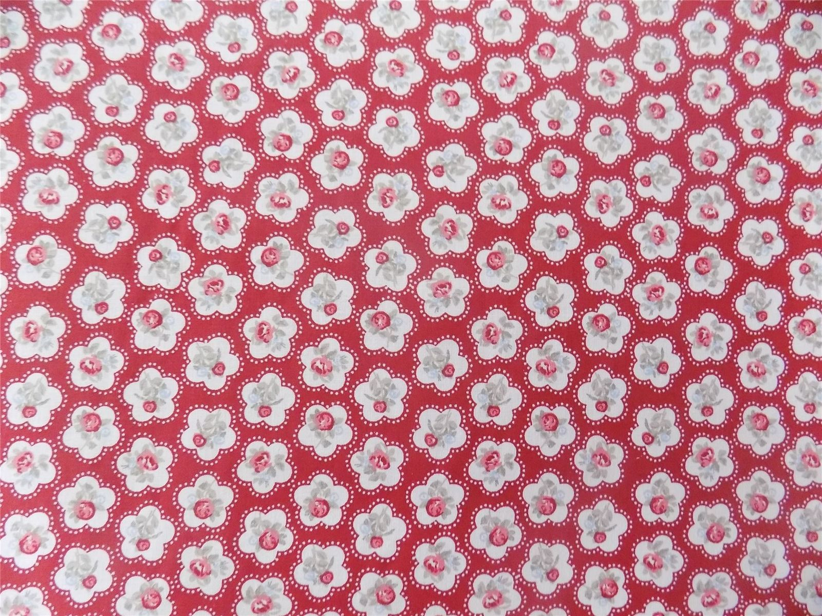 Floral Red White Rose Flowers 100% Cotton High Quality Fabric Material *3 Sizes*