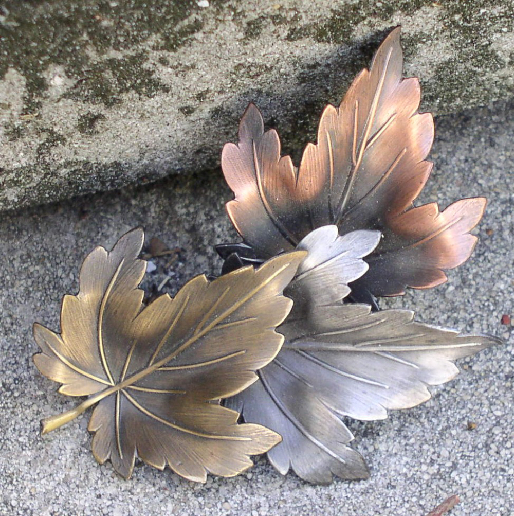 Vintage maple leaves brooch pin signed k t
